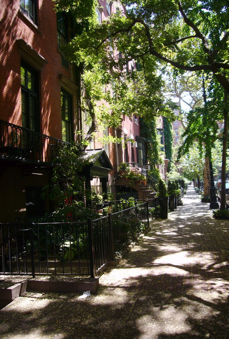 NYC. West 10th Street, Greenwich Village ~ where Emily in Collide/Pulse novels works as teacher.