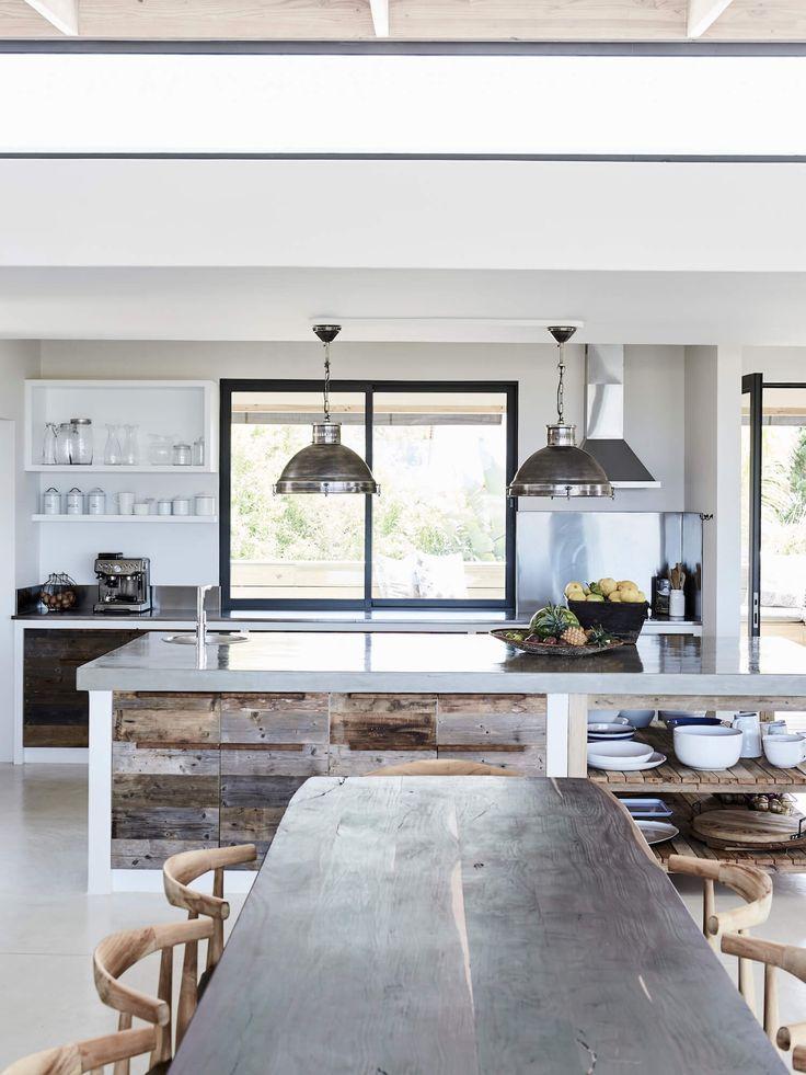 South African Beach House Global Interiors Est Living Beach House Interior Design Beach House Kitchens Interior Design Kitchen