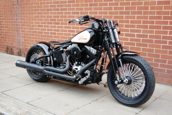 Harley Davidson Bobber look. Great !!! Custom by Charlie Stockwell