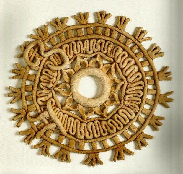 """Πλουμιστά Γαμήλια Ψωμιά της Κύπρου από το βιβλίο της Δωρίτας Βοσκαρίδου """"Το Πλουμιστό Ψωμί της Κύπρου"""", εκδ Νόστος. Βρίσκονται στο Μουσείο Το Πλουμιστό Ψωμί στη Λεμεσό"""