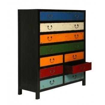 Design kast Harlekin 10 heeft een uniek retro design uitstralingdat tot uitdrukking komt in de verschillende kleuren die gebruikt zijn en de houtstructuur.