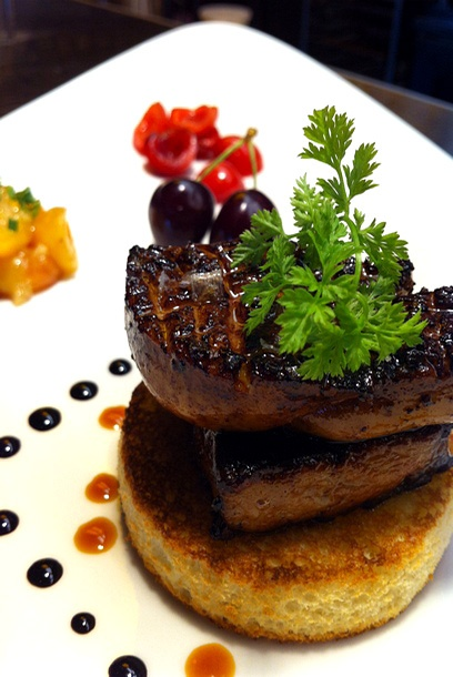 seared foie gras at ra pour cucamonga foie gras. Black Bedroom Furniture Sets. Home Design Ideas