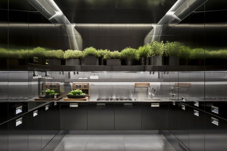 #Arclinea #Eurocucina2016 #Italia #PVD #stainlesssteel #Mensolinea #luxurykitchen #madeinitaly #design #kitchendesign #interiordesign #luxurydesign