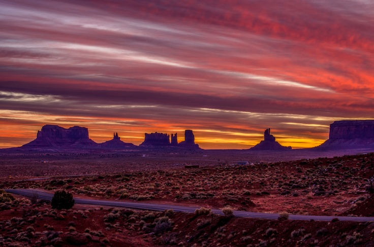 this photo makes me want to drive through arizona agian (no idea if that's where this is, but it looks similar :D)
