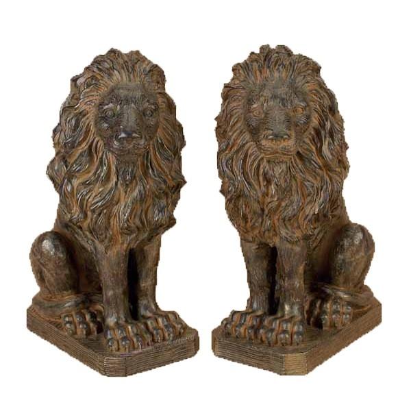Lion Statues From My Front Door For Casa De Amy