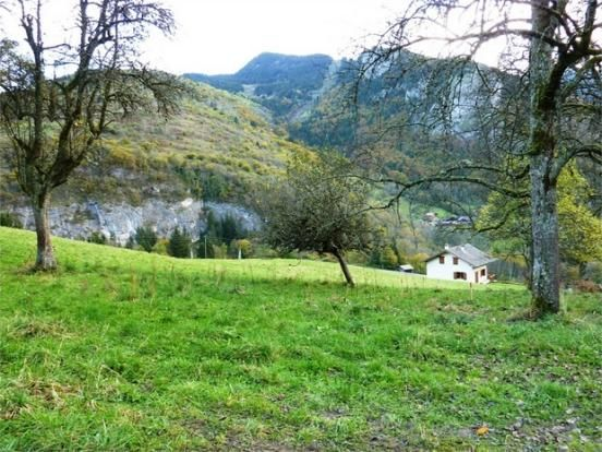 Cheapest land on right move jan 2015 £82k For sale : Building land of 781m², St Martin, Seytroux.  North of morzine