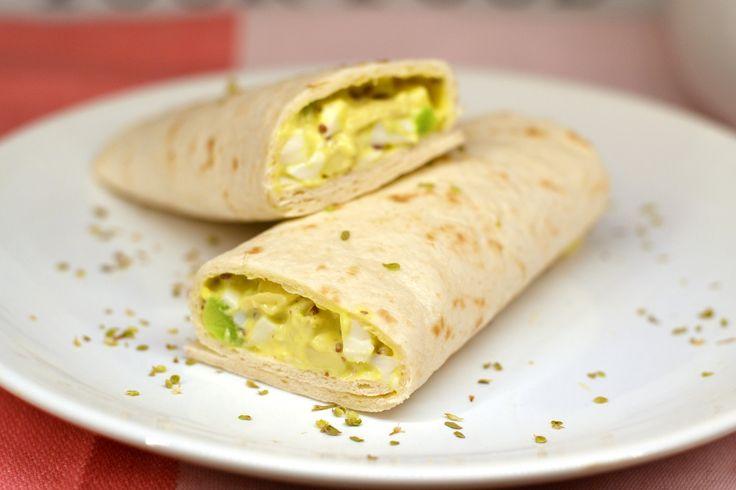 Avokádós tojássaláta wrap recept: Az egyik leggyorsabb reggeli vagy vacsora fogás. Mellette pedig és még egészséges, és finom is. Érdemes elkészíteni, biztosan beválik neked is! ;)