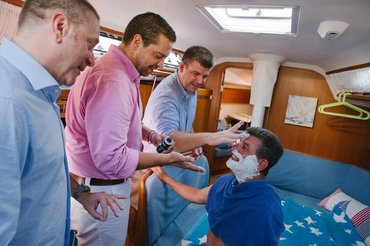 groom shaving Kythnos | lafete