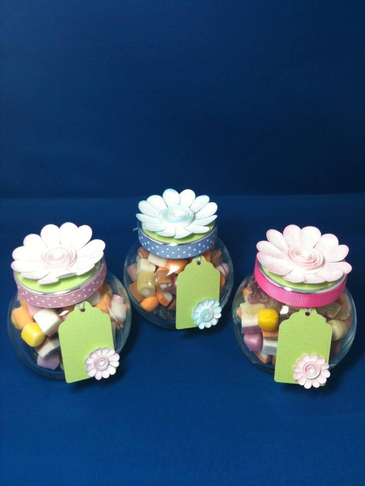 These are little sweetie jars that I decorated using my Cricut Flower Shoppe Cartridge.