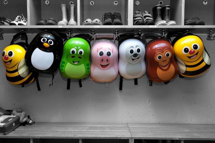 Στο σχολείο πηγαίνουμε παρέα με τα αγαπημένα μας ζωάκια!  http://babyglitter.gr/brands/cuties-and-pals/