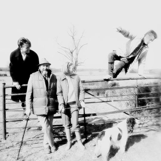 Chris Larkin, Beverley Cross, Maggie Smith, and Toby Stephens, at home in Sussex (1986)