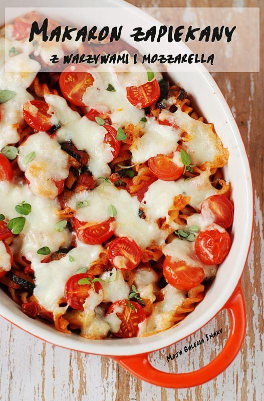 Makaron zapiekany z warzywami i mozzarellą