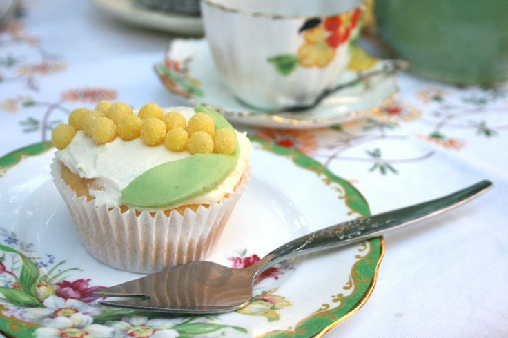 """Make """"Wattle Cakes"""" for your Wattle Day celebration."""