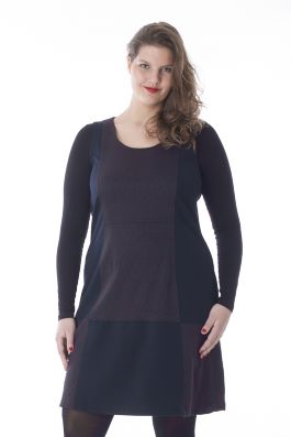 Exelle | curvy fashion | fashionable and comfortable dress with two fabrics