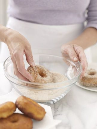 ... make the Donuts on Pinterest | Doughnut muffins, Sugar donut and Cakes