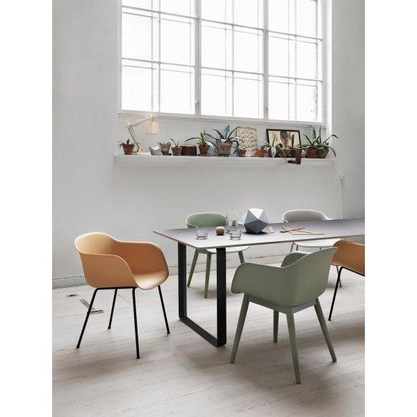 ... Sitzschale Weiß / Stuhlbeine Eiche Natur Von Muuto Finden Sie Bei Made  In Design, Ihrem Online Shop Für Designermöbel, Leuchten Und Dekoration.