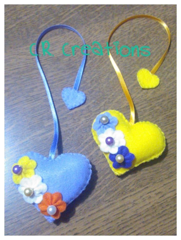 segnalibro in pannolenci a forma di cuore  #segnalibro #bookmark #felt #handmade #cuori #hearts