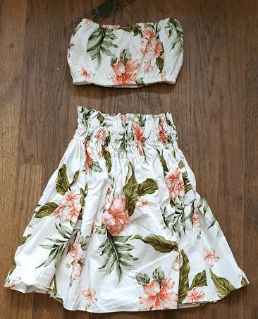 """Hawaiian Pa'u skirt with matching top. Made of Poly cotton. Top has adjustable elastic and stretches to about 30"""". 16"""" in length from top of waist to bottom of actual skirt, and stretches to 22"""" aroun"""