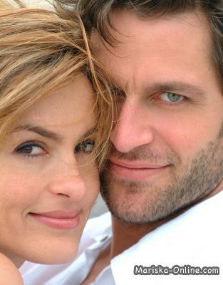 Mariska Hargitay With Her Husband Peter Hermann What A Gorgeous Couple