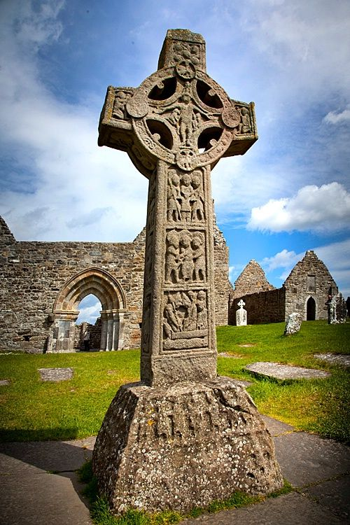 Ancient Celtic crosses, Clonmacnoise cemetery, County Offaly, Ireland