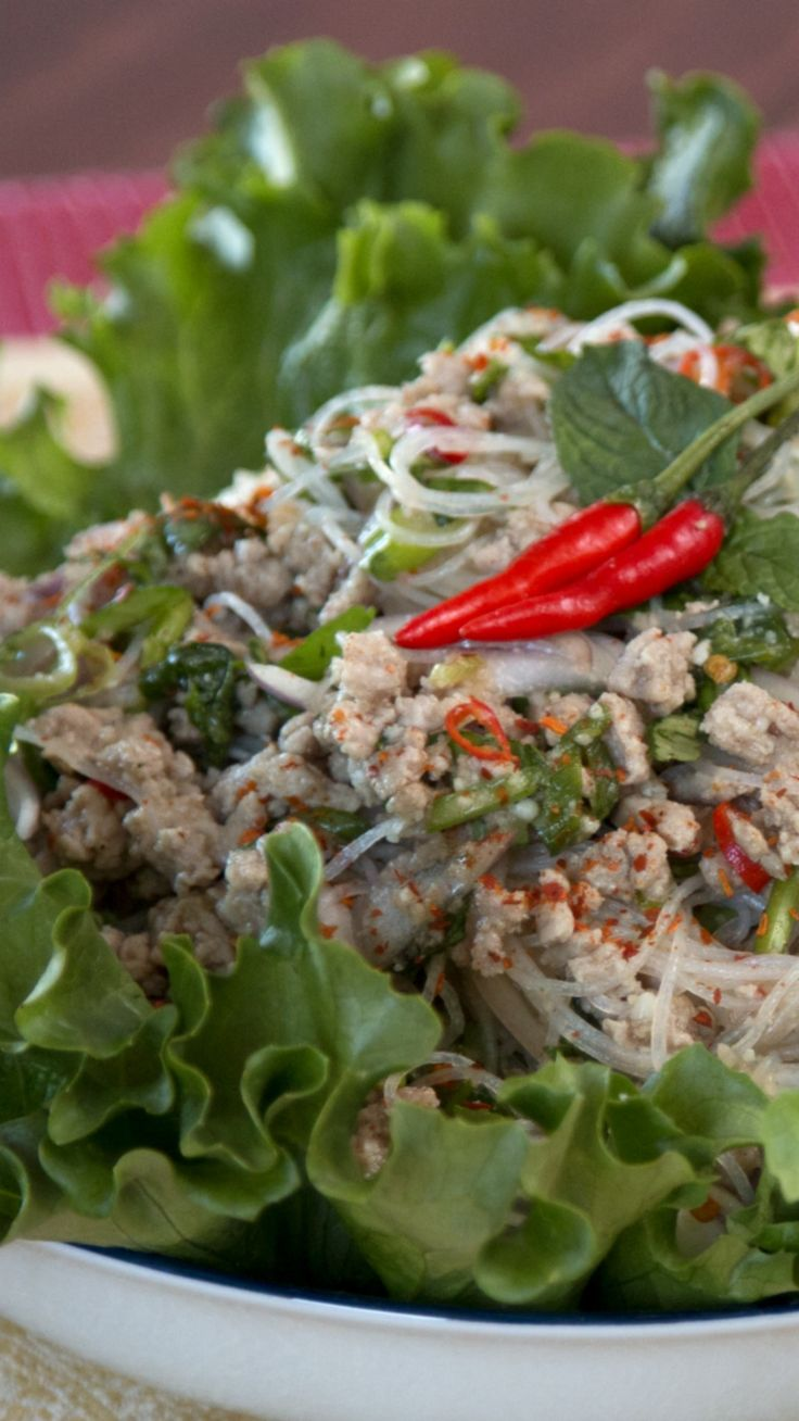 Larb woon sen is Thai pork glass noodle salad that's fresh, zesty and a little spicy. Make it ahead of time for a pucker-your-lips kind of lunch, or in minutes as a quick and easy meal.