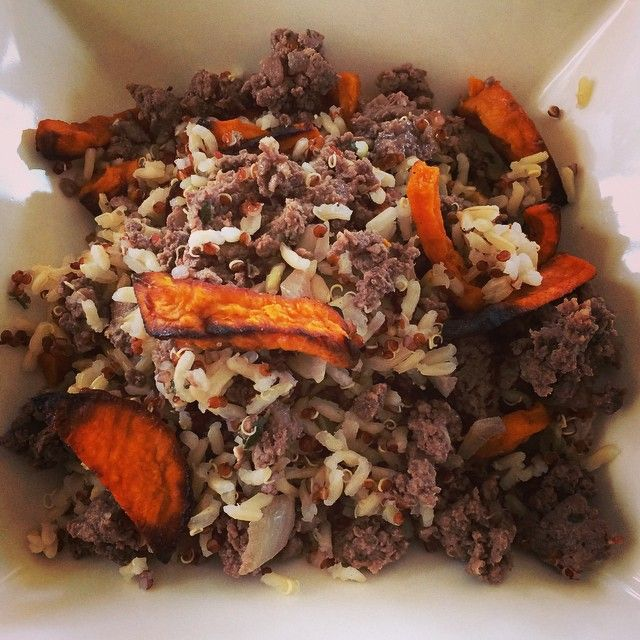 Kangaroo mince, rice, quinoa and crispy sweet potato. I cooked this the other day (prepped 1.6kg of it) and it tasted disgusting. Now I'm eating it cold from the fridge and it tastes good! How does that work? #averagechef #goodnutritionist