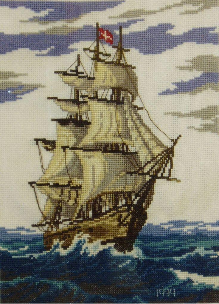 barco velero en punto de cruz