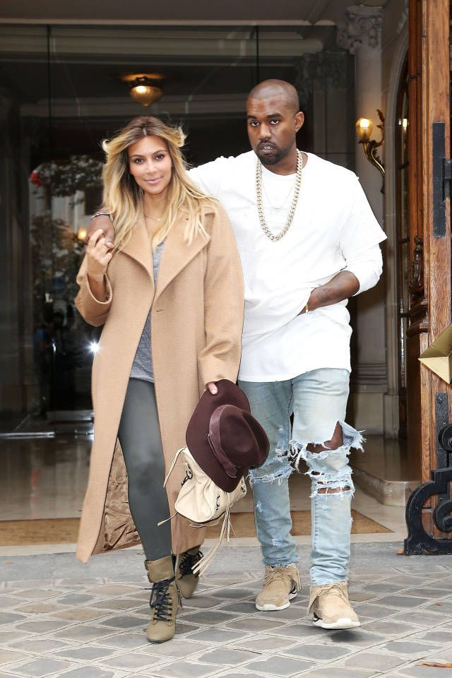 Celebrity Street Style    Picture    Description  The most stylish celebrity couples, right here. Click for more.     https://looks.tn/celebrity/street-style/celebrity-street-style-the-most-stylish-celebrity-couples-right-here-click-for-more/