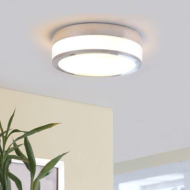 Flavi a été conçu pour fonctionner dans la salle de bain, car son indice de protection IP44 lui permet cet usage. Son abat-jour est en verre blanc opale et il affiche un anneau décoratif en métal. Coloris : blanc opale, chroméMatériau : verre, métalHauteur : 9 cmDiamètre : 23 cmClasse d'éfficacité énergétique : A++Intensité variable : ouiCulot : E27Ampoule(s) : 2 x 60 WAmpoule(s) fournie(s) : nonProtection IP : IP44Classe de protection : IHauteur variable : nonTension de service (V) : 230...