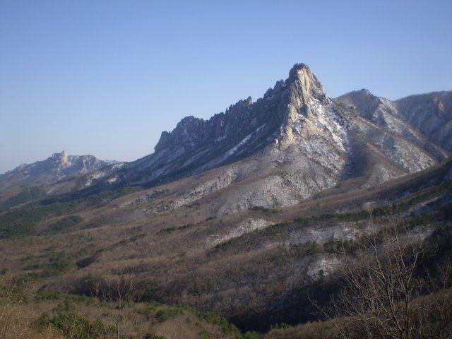 강원도 고성의 아름다운 자연과 함께 고성의 관광 명소를 소개하는 동영상입니다. 고성의 청정함과 아름다움 속으로 여행을 떠나 보세요! [Korean Version] Goseong is a small coastal county in the very north east of South Korea, and is very close to the DMZ border area that separates the country from North Korea. Just sit back, wander around the virtual sights on our tour and discover the unparalleled beauty of Goseong. * Experience Goseong online and get more infomation: ▶ http://tour.goseong.org