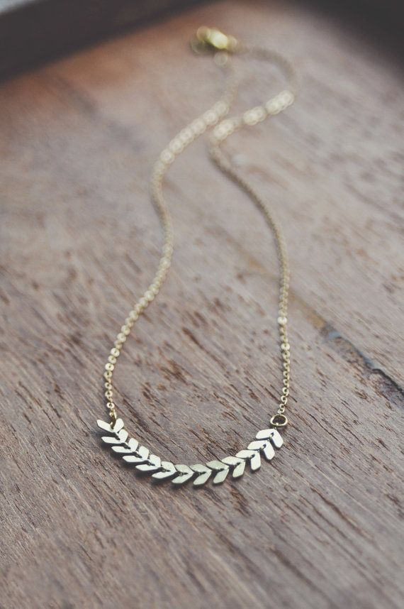 boho dainty chevron necklace.