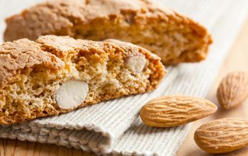 An easy recipe for Tuscan Cantucci (Biscotti)! Perfect for dipping in sweet wine, or coffee :)