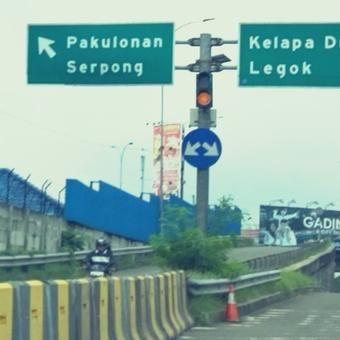 Pemotor Makin Nekat Masuk Lawan Arah Exit Tol Serpong, Belum Ditindak: http://www.kabarsatu.co/archives/7987