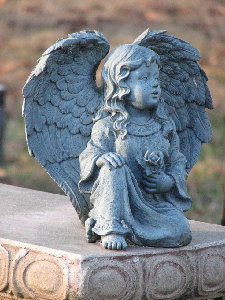 angels bring such peace...this one is in the cemetery where my mother is buried...