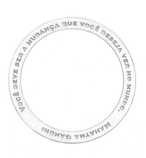 Pulseira de prata com palavras lindas do Gandhi. Design da incrivel Vanessa Robert.