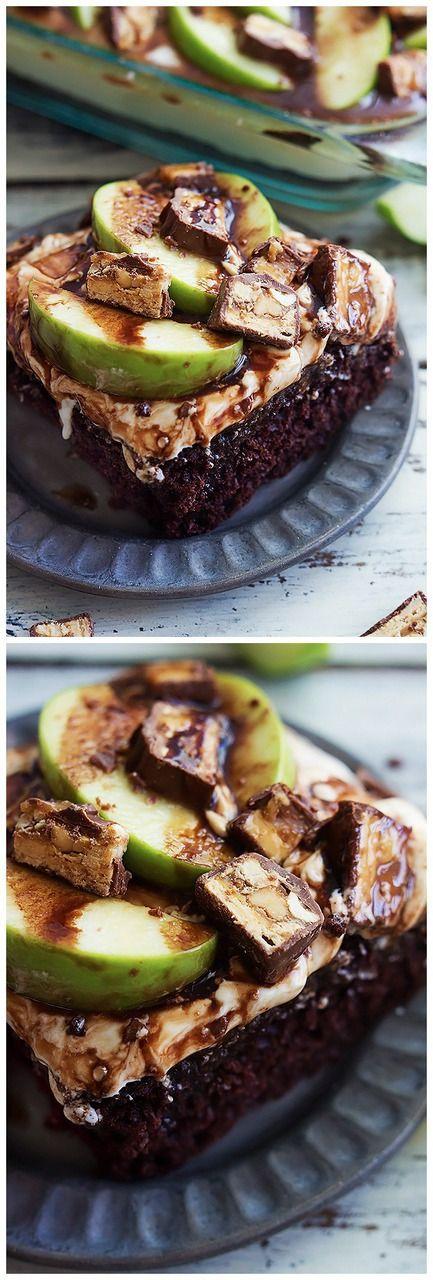Caramel Apple Snickers Cake Recipe