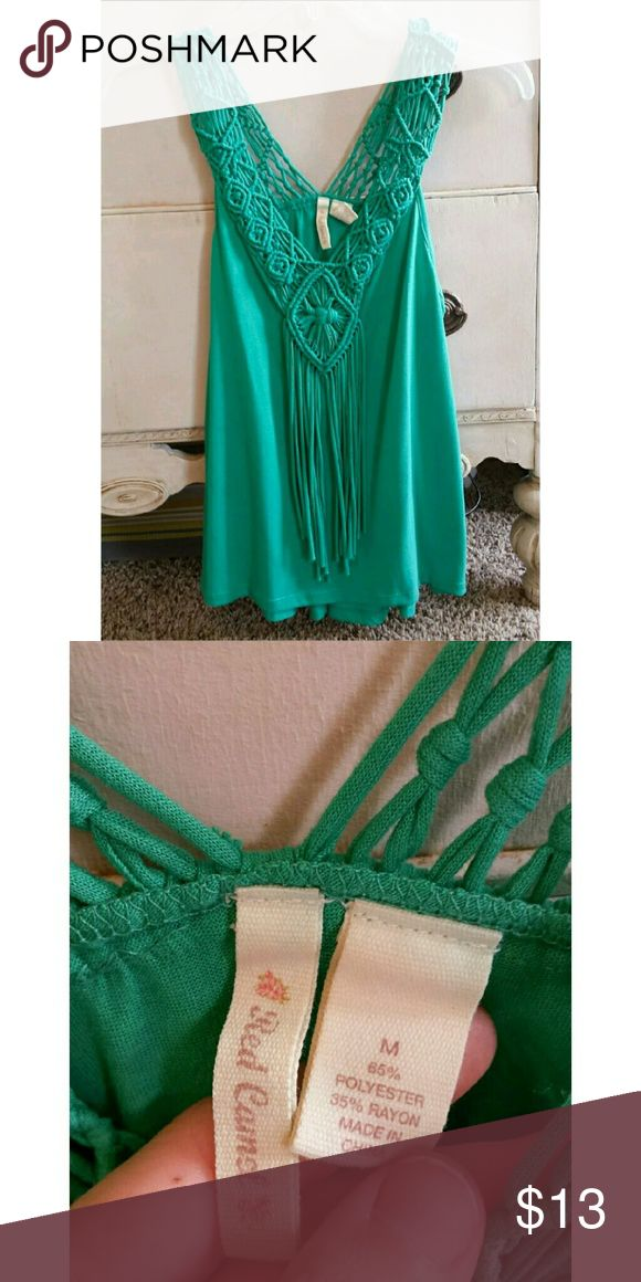 Sleeveless Braided Red Camel Top Size Medium Beautiful green braided detailed flowy top by Red Camel is perfect for summer or fall. Gently worn, in excellent condition. Sizing reference : I'm a 34B and it fits me perfectly, and loosely. Red Camel Tops Blouses