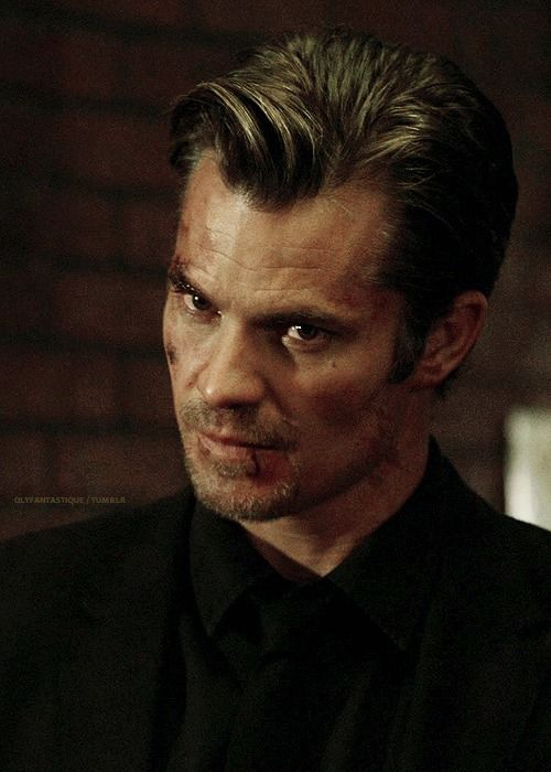 olyfantastique: Justified :: Last Scene from Each Episode / s01e09 Hatless Raylan - Joe, let me take care of this one.Drunk 1 - Thought I told you not to come back in here.Raylan - Just here for the hat.Drunk 1 - Well, I've kind of taken a liking to it. Fits pretty good.Raylan - Mister, that's a 10-gallon hat on a 20-gallon head.Drunk 2 - We were just trying to have some fun. You were the one out of line.Raylan - Be that as it may, I ain't leaving without the hat. And I'd be sober this ...