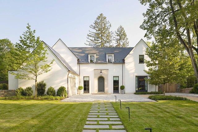The modern farmhouse!   Designed by Anne Decker Architects #annedeckerarchitects #architecture #interiordesign