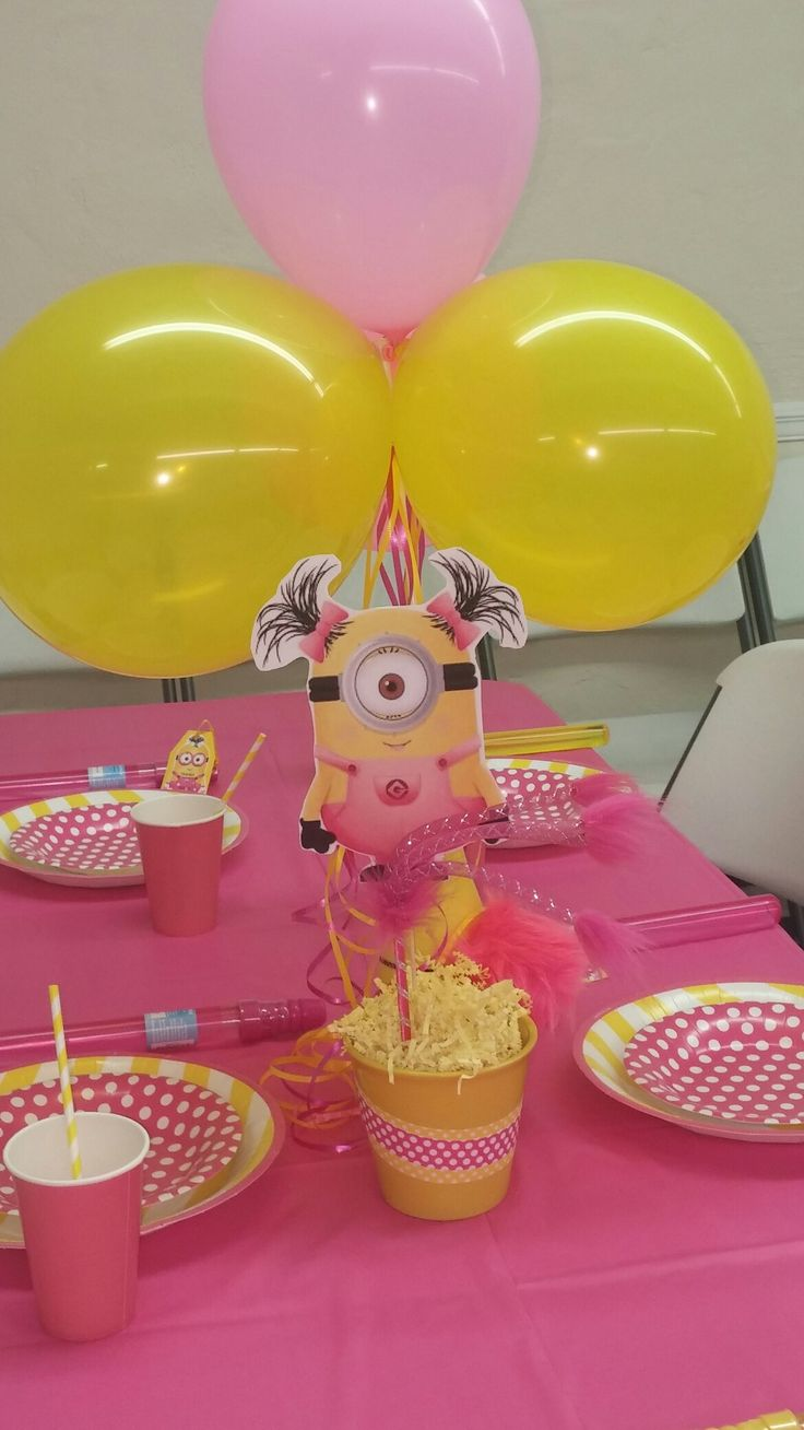Girl minion party decorations