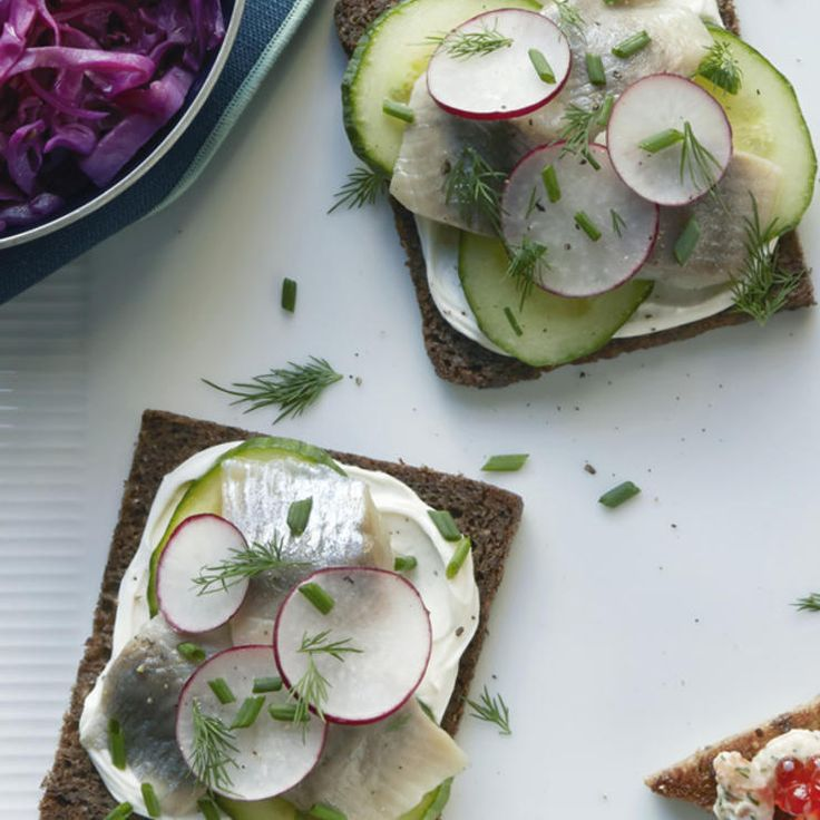 Herring Smørrebrød http://www.prevention.com/food/healthy-recipes/nordic-diet-recipes/braised-red-cabbage