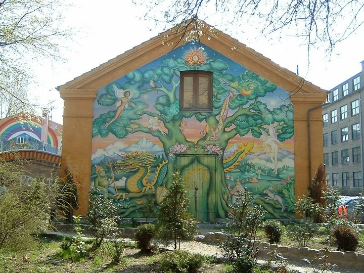 Wall Paintings in Christiania - Quistnix