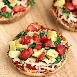 http://tone-and-tighten.com/2014/07/whole-wheat-english-muffin-vegetable-pizza.html