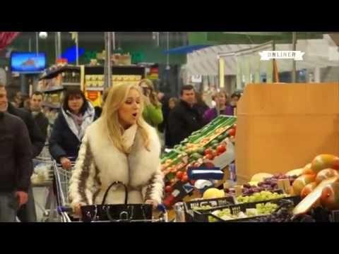 Флешмоб в магазине Минска  покупатели и охранники запели оперу - YouTube