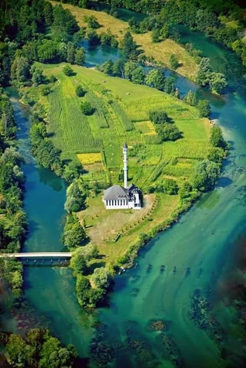 The Una is a river in Croatia and Bosnia and Herzegovina. The river has a total length of 212 km and watershed area of 9,368 km². Una river got its name from Romans who first discovered this beautiful gem of nature. Wikipedia