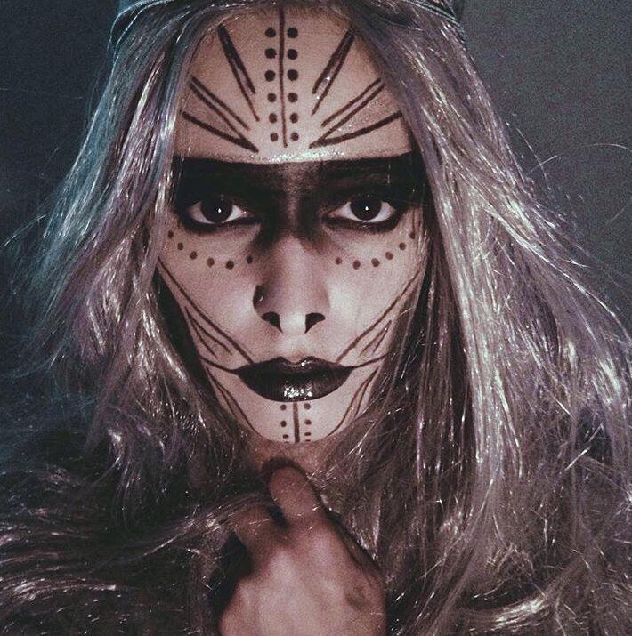 The 25+ Best Voodoo Makeup Ideas On Pinterest | Voodoo Costume Fortune Teller Makeup And ...