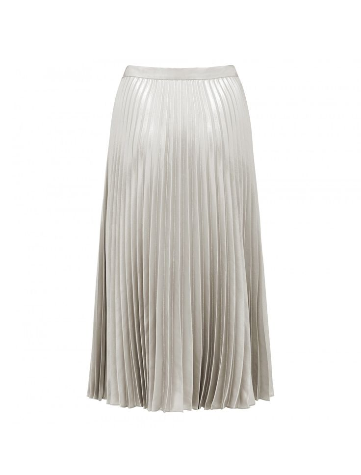 From daytime chic to evening glamour, discover our Alexandria metallic pleated midi skirt, set to be your newest wardrobe staple.
