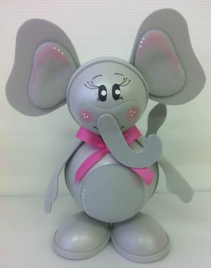 Slon z pěnovky