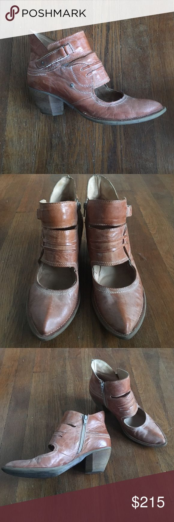 Anthropologie Vera Pelle Khrio tan leather boots Vera Pelle Khrio tan leather heeled boots. Size 38. Worn a handful of times but in really great condition. Zipper sides. Pointy toe. Vera Pelle Shoes Heeled Boots