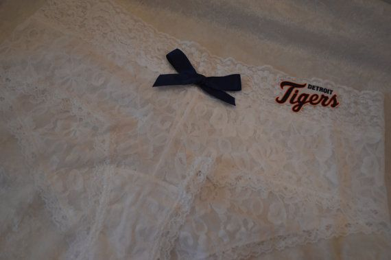 Ladies sexy hipster white lace panties Detroit Tigers with bow